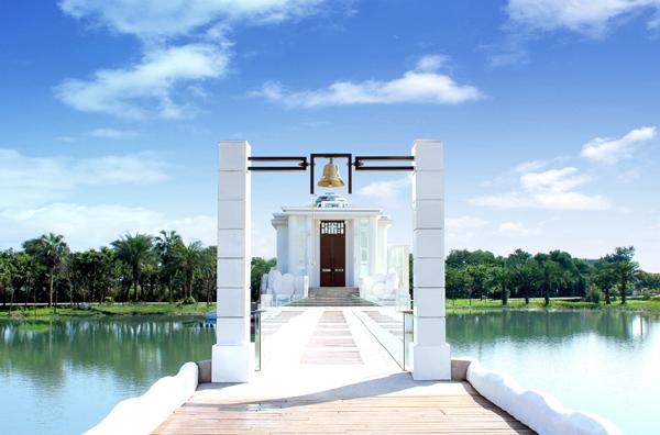 童話般的浪漫白教堂 – 永恆水教堂