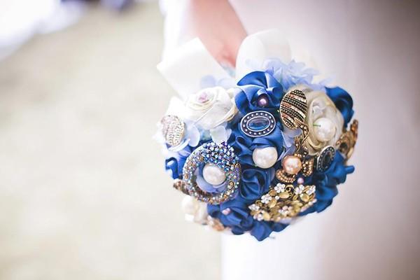 珠寶捧花創意風潮 – Becca's Bouquet