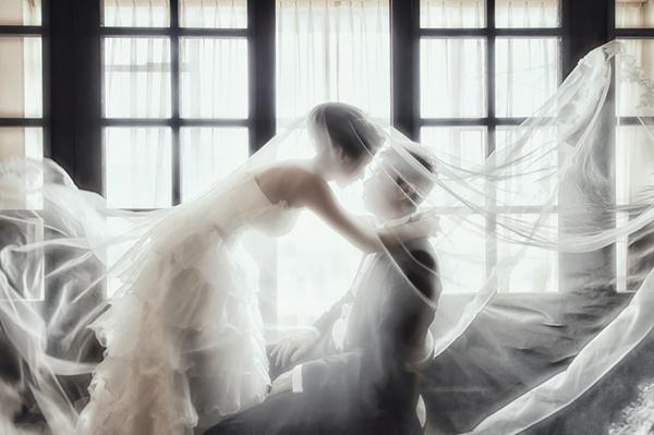 Melody & Livingroom 的溫馨唯美婚紗照 (Donfer 拍攝)