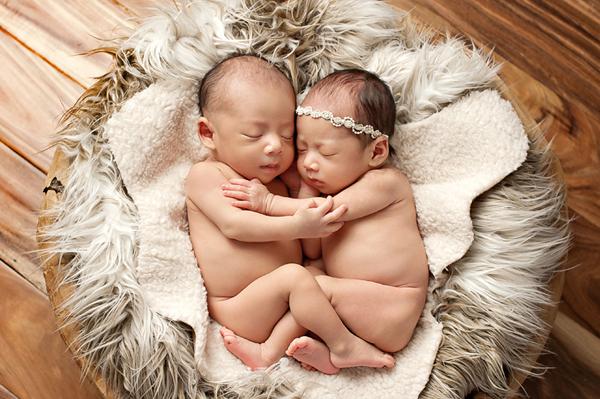 可愛雙胞胎寶寶 新生兒寫真 (Eden Bao 拍攝)
