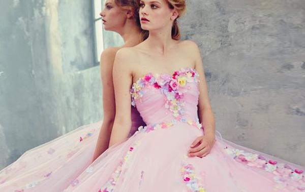 20件浪漫女人味 花朵系婚紗
