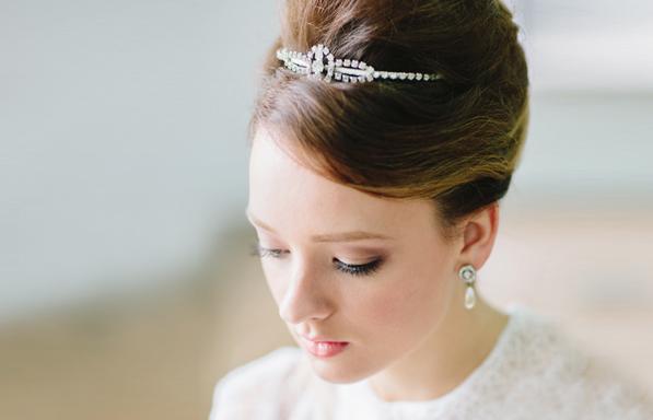 不敗的經典氣質! 22種高貴典雅新娘盤髮造型