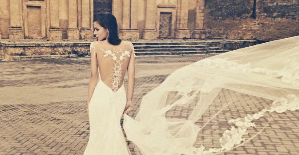 27 件超震撼美背婚紗! 2015年驚艷全球的絕美背部設計!