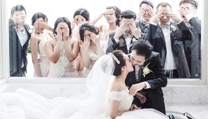 誰說團體照都呆版無趣? 36張令人回味無窮的創意婚禮親友團合照!