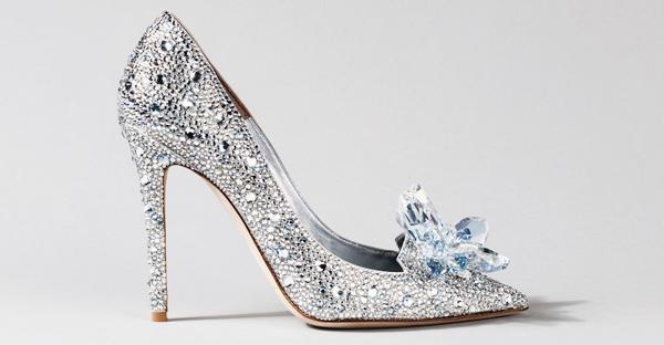 灰姑娘的玻璃鞋 – 15雙童話成真夢幻婚鞋!