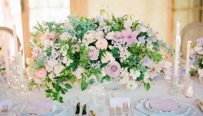 春天就是要開滿鮮花! 22個浪漫甜蜜春季桌花佈置!