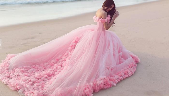 3D小花魅力綻放! 25件滿足少女心的立體花卉禮服!