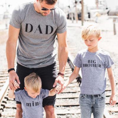 甜蜜新婚家庭必備! 22件可愛爆表時尚家庭T恤!
