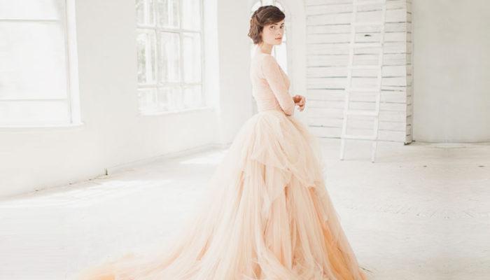 最有女人味的顏色就是它! 30件喚醒所有少女心的水蜜桃色禮服!