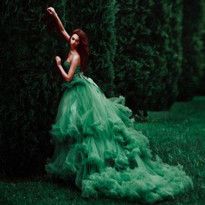 來自仙境的夢幻色彩 – 20件脫俗耀眼綠色禮服!