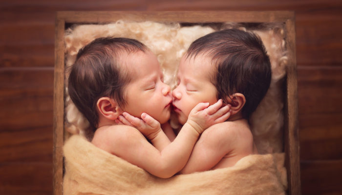寶寶的第一張團體照! 16張比獨照更暖心的團體嬰兒寫真!