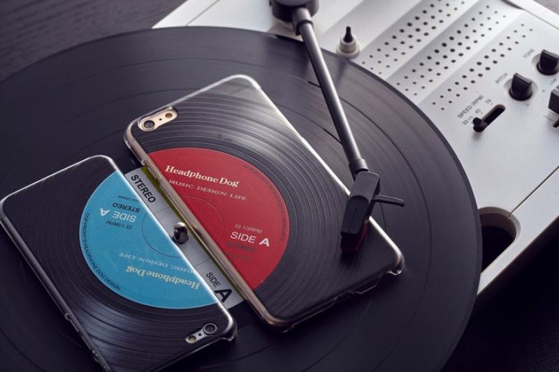 04-3D Vinyl Phone Case