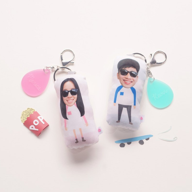 12-Custom portrait keychain